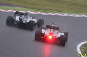 The battle was lost by Nico Rosberg for the win on the 29th lap